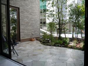 素敵な中庭が完成しました!